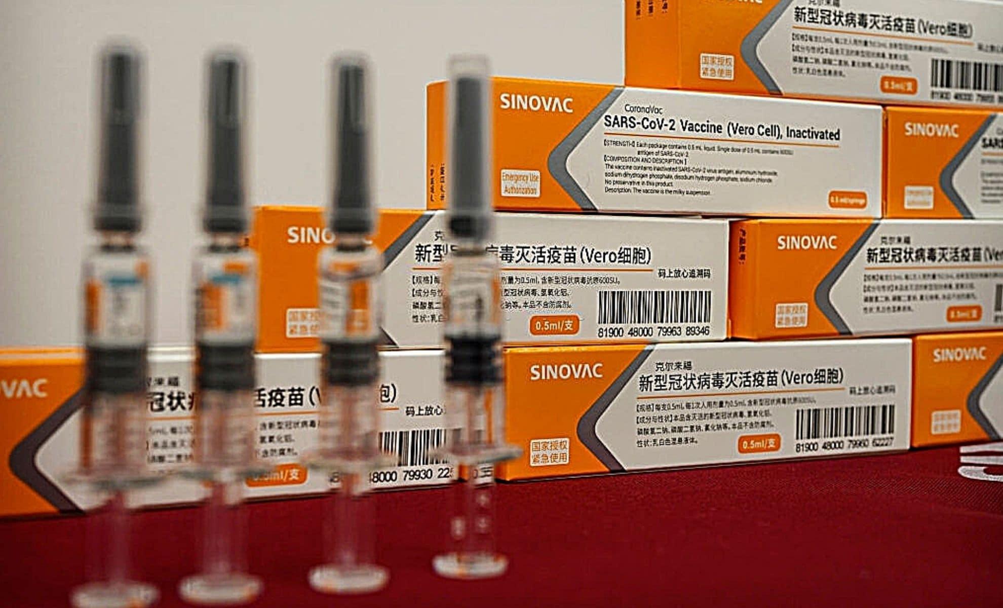 Le vaccin Sinovac enfin reconnu par la France, à une condition