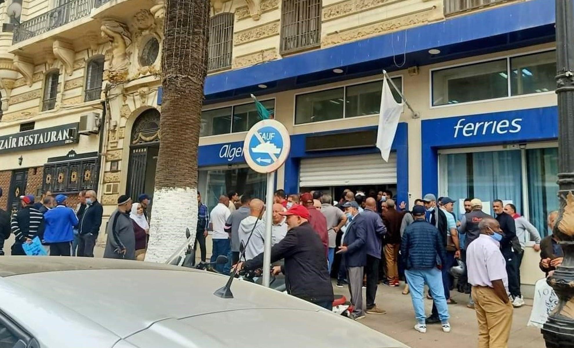 Bousculade devant Algérie Ferries à Lyon : La police était prête à évacuer les lieux